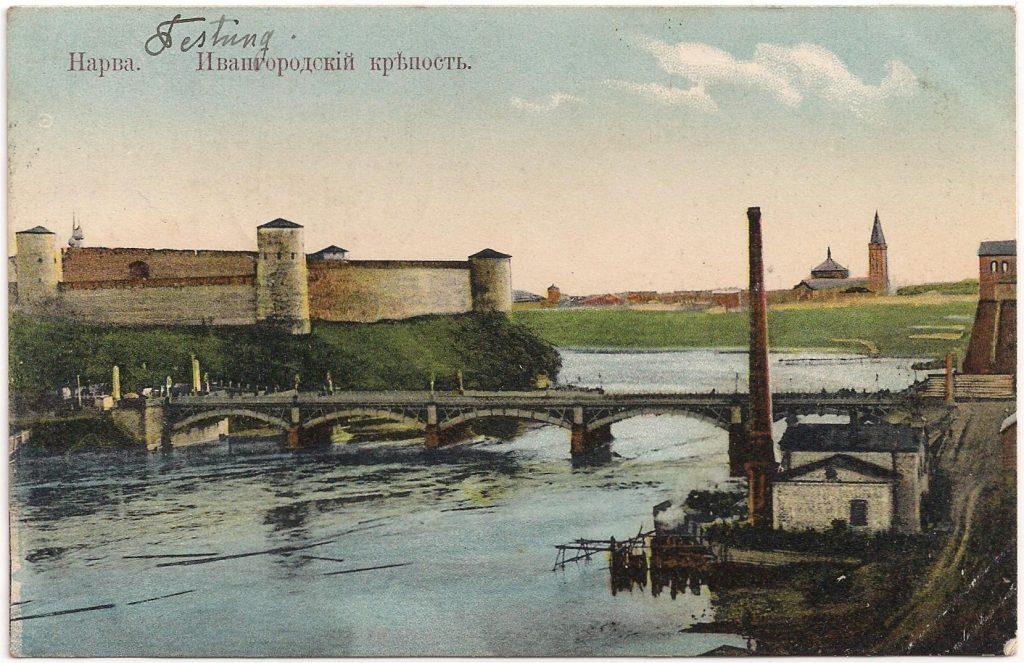 Kaart met een afbeelding van het fort. Zo te zien is dit het Russische fort –vanuit het noorden aan de linkerkant- en dat staat ook op de kaart: ИВАНГОРОДСКІЙ КРѢМОСТЪ (IVANGORODSKII KREPOST), Ivangorad vesting.